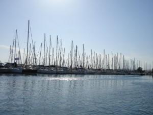 Kalamaki marina l jachthaven Athene l Zeilen - BQ Yachting, Mooi Weer Zeilen